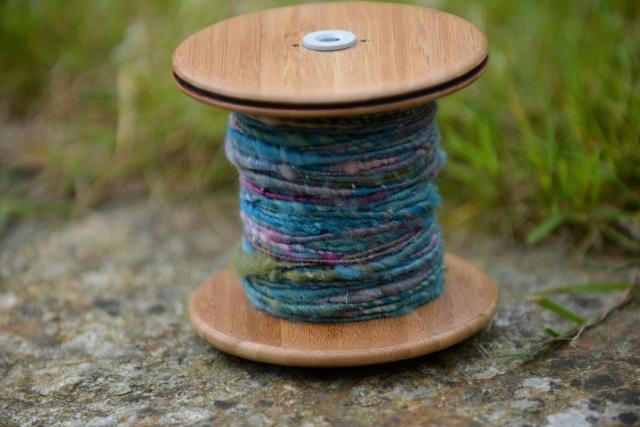 Mon tout premier, avec une nappe The Yarn Wench